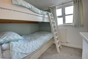 35-bunk-bedroom